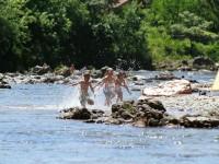 Disfrutando el río